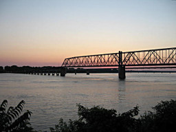 quincy-bridge_256