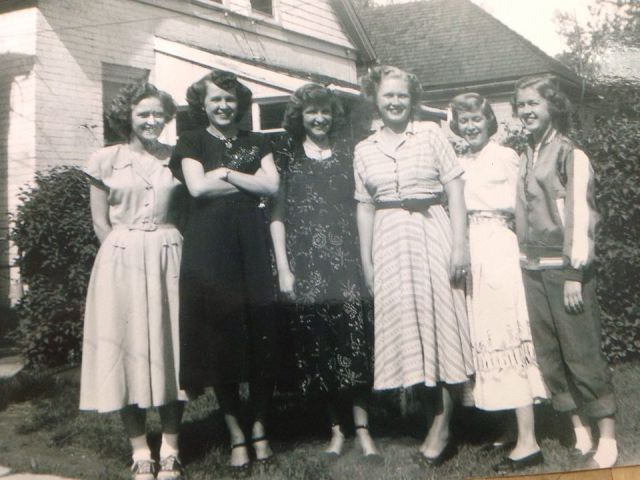 Hancock Girls abt 1942